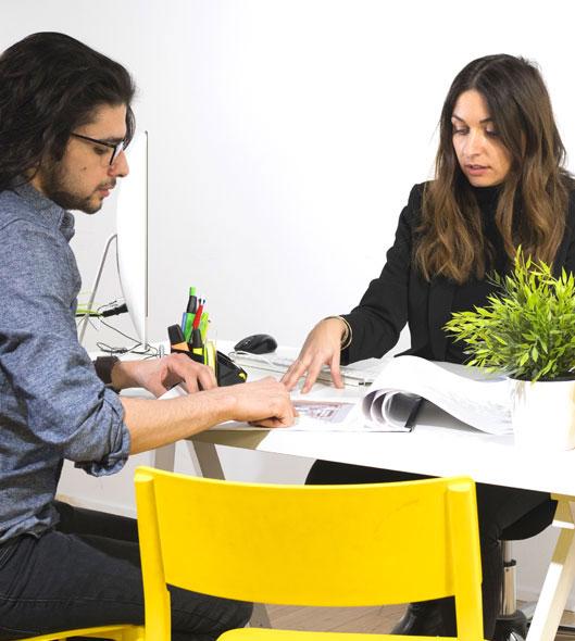 formation en alternance un élève et un conseiller en formation