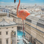 infographie flamant rose géant sur Paris immeubles